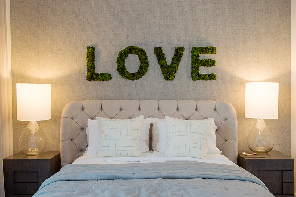 moss decor love letters