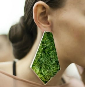 SILVER EARRINGS with green moss